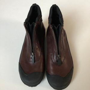 Clarks Mucker Boots Size 9